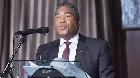 Le ministre des Affaires afro-néo-écossaises, Tony Ince