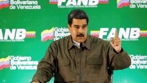 Nicolas Maduro s'adresse à de hauts responsables de l'armée du Venezuela.