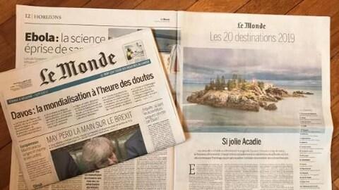 La page du format papier du quotidien français Le Monde où on peut lire « Si jolie Acadie ».