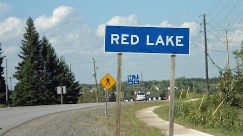 Pancarte routière de Red Lake en Ontario.
