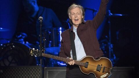 Paul McCartney lors de la première mondiale de sa tournée Freshen Up, le 17 septembre 2018, au Centre Vidéotron de Québec.