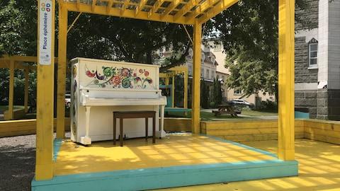Le piano de la place Maizerets.