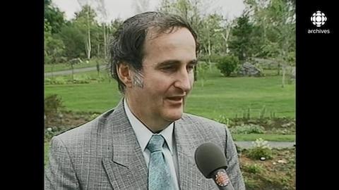 Pierre Bourque en entrevue dans le jardin japonais du Jardin botanique de Montréal.