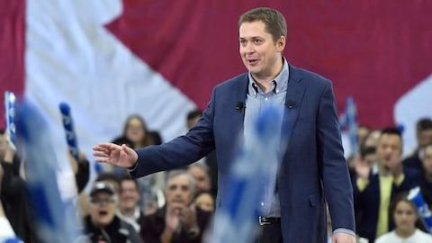 Le chef conservateur Andrew Scheer lors d'un rassemblant politique
