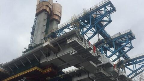 Le pont Champlain en construction.