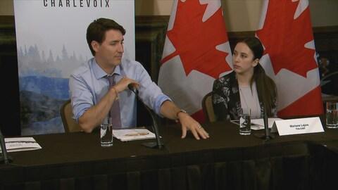 Le premier ministre Trudeau rencontre les représentants des médias régionaux.