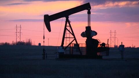 Un puits de pétrole en Saskatchewan