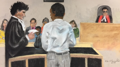 Dessin de cour représentant Randy Tshilumba répondant aux questions de son avocat, devant le jury à son procès, au palais de justice de Montréal.