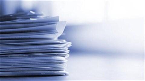 Des feuilles et documents