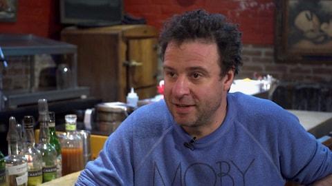 Le restaurateur Hugue Dufour en entrevue.