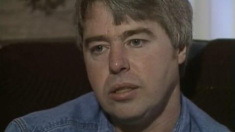 Gros plan visage de Robert Latimer.