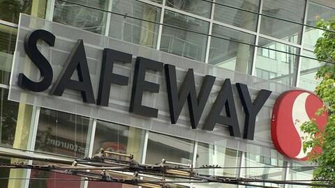 L'enseigne d'un magasin Safeway dans le Grand Vancouver