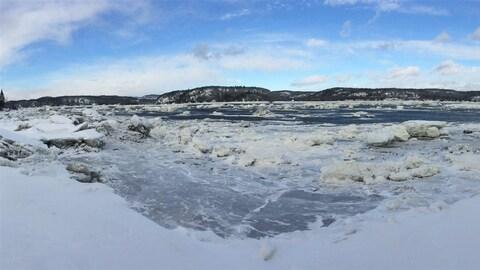 La rivière Saguenay en hiver
