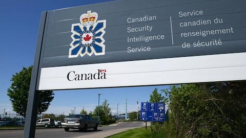 La Cour fédérale refuse d'accorder au SCRS un mandat pour enquêter à l'étranger