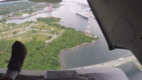 Photo aérienne de Shannon Park prise d'un hélicoptère à l'été 2018.