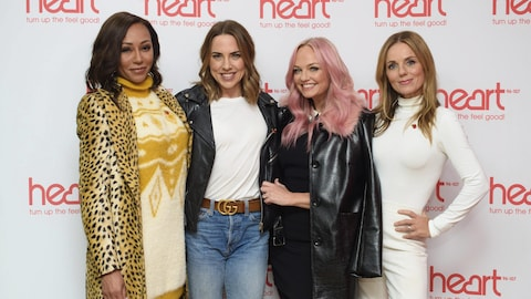 Melanie Brown, Melanie Chisholm, Emma Bunton and Geri Halliwell posent ensemble.