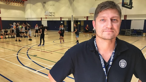 Steve Jolin est coach de basketball