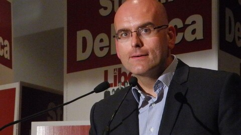 Steven Del Duca est le ministre des Transports de l'Ontario.