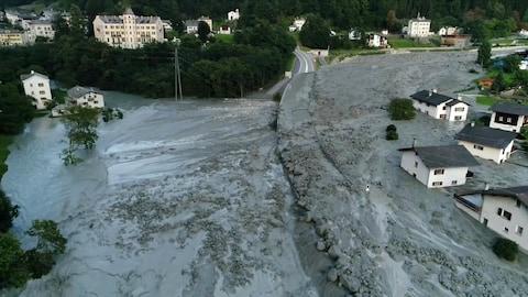 Une coulée de boue à Bondo, en Suisse