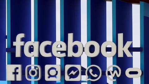 Une série de logos de Facebook et de ses différents services.