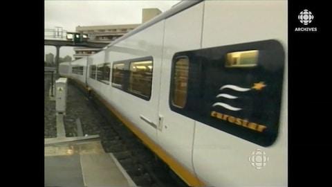 Un train TGV Eurostar quitte la gare de Londres.