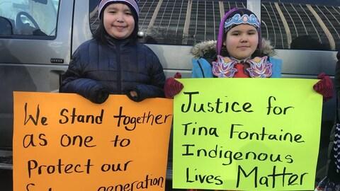Manifestations à la suite du procès sur la mort de Tina Fontaine.
