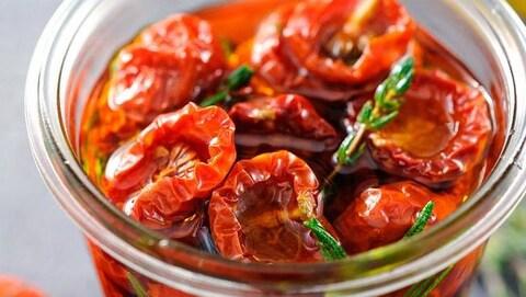 Des tomates séchées en pot vendues par l'entreprise Maison René-Verrier de Drummondville font l'objet d'un rappel.