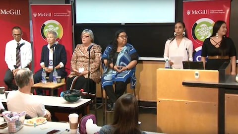 Les membres du panel de discussion participant à l'événement Dismantling racism in healthcare and education, présenté à l'Université McGill.