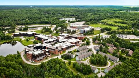 Une vue aérienne de l'Université Nipissing