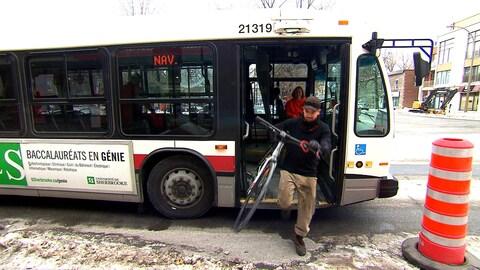 La Vélobus est offert en heure de pointe jusqu'au printemps.