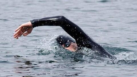 Vincent Godin en train de nager