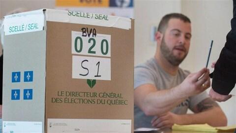 Un homme exerce son droit de vote dans un bureau électoral du Québec.