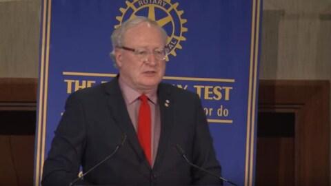 Le premier ministre de l'Île-du-Prince-Édouard, Wade MacLauchlan, lors de son discours annuel sur l'état de la province.