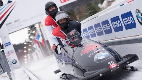 William Auclair en bobsleigh (à l'arrière)