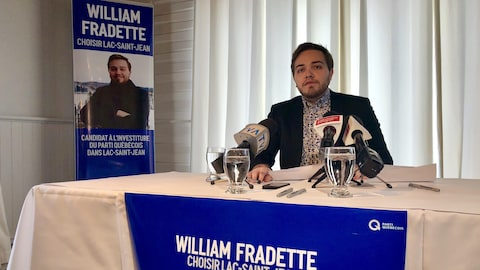 William Fradette en conférence de presse.
