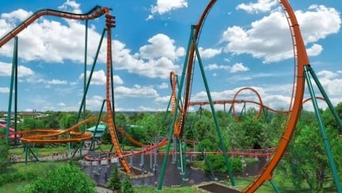 Photo montrant les montagnes russes Yukon Striker.