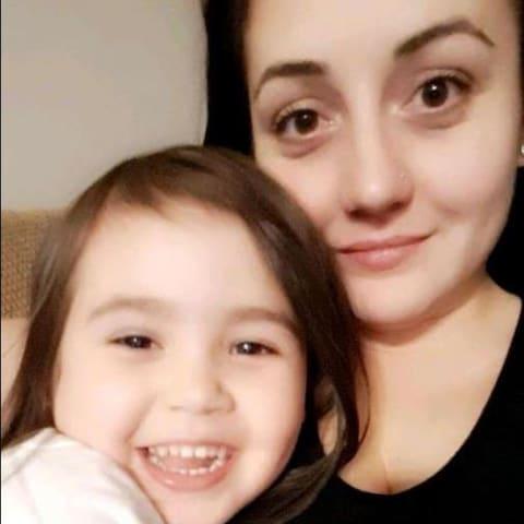 une maman et sa fillette