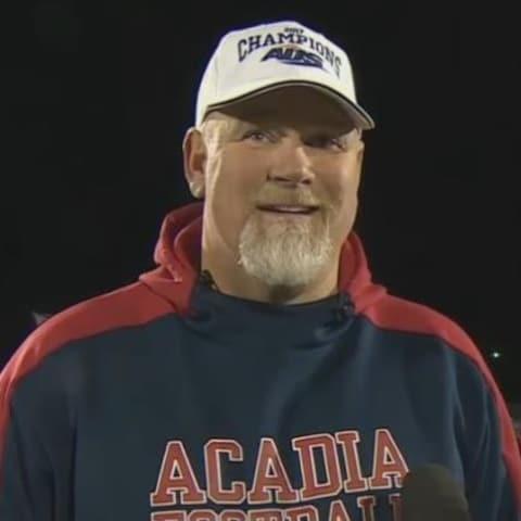 Jeff Cummins, entraîneur-chef des Axemen d'Acadia.