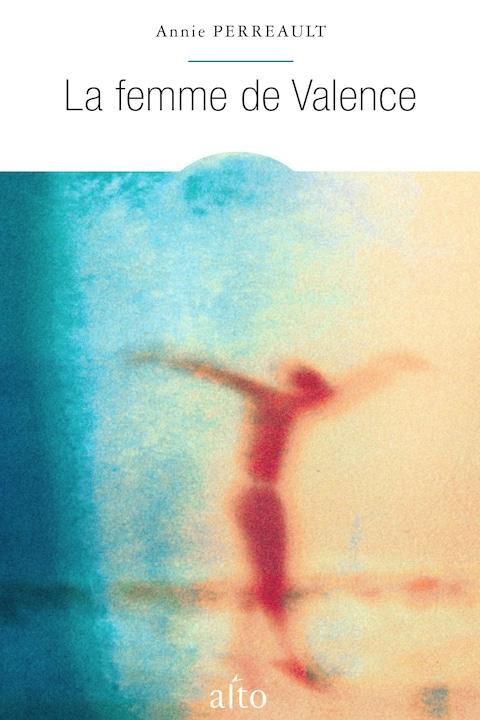 La couverture du livre montre un dessin flou d'une personne.