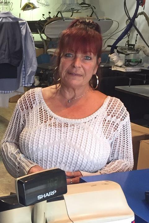 Lorraine Tremblay, du Nettoyeur Daoust, voisin de la SQDC de Drummondville.