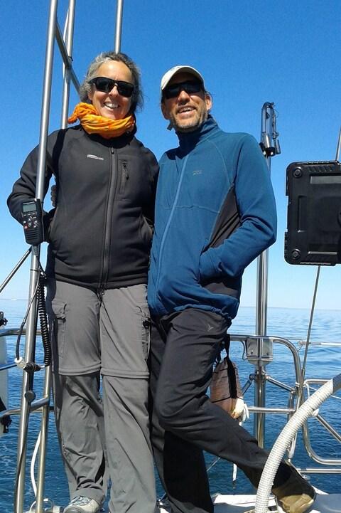 Sophie Arsenault et André Pineault sur leur voilier