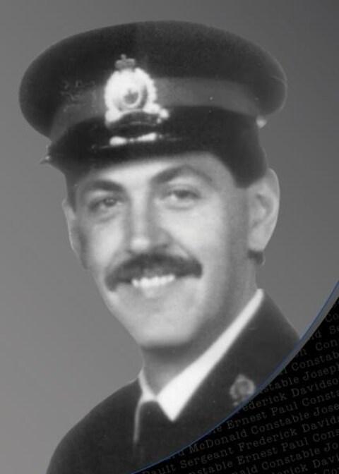Richard Macdonald a perdu la vie en juillet 1999 au cours d'une chasse à l'homme.