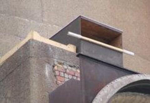 Un nichoir de faucon pèlerin.