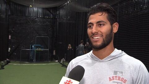 Abraham Toro en entrevue au micro de Radio-Canada Sports