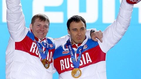 Aleksander Zubkov (à gauche) et Alexey Voevoda en 2014