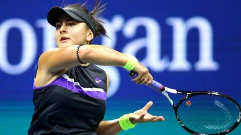 Bianca Andreescu frappe un coup droit