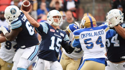 Le quart Ricky Ray (no 15)