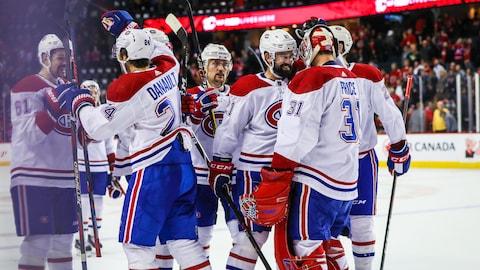 Le Canadien célèbre une victoire à Calgary.