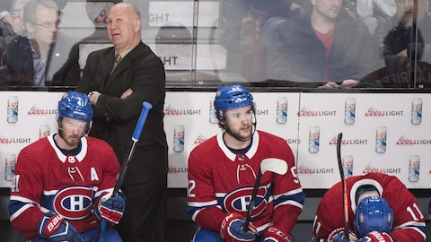 Claude Julien derrière Paul Byron, Jonathan Drouin et Brendan Gallagher