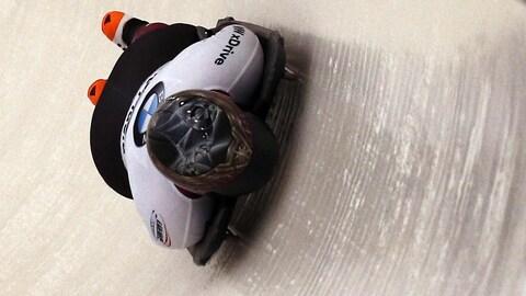 La Canadienne Elisabeth Vathje pendant sa deuxième descente en skeleton à la Coupe du monde de Lake Placid, le 9 novembre 2017.